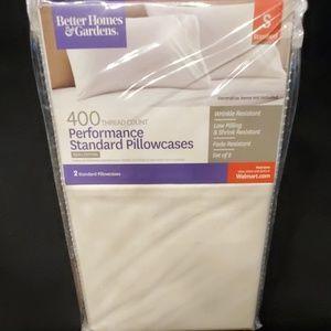 NEW Performance Pillowcases NWT